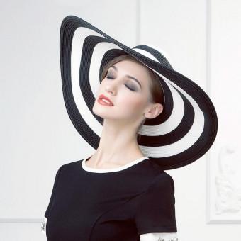 Women's big floppy sun hat black and white stylish floppy hat